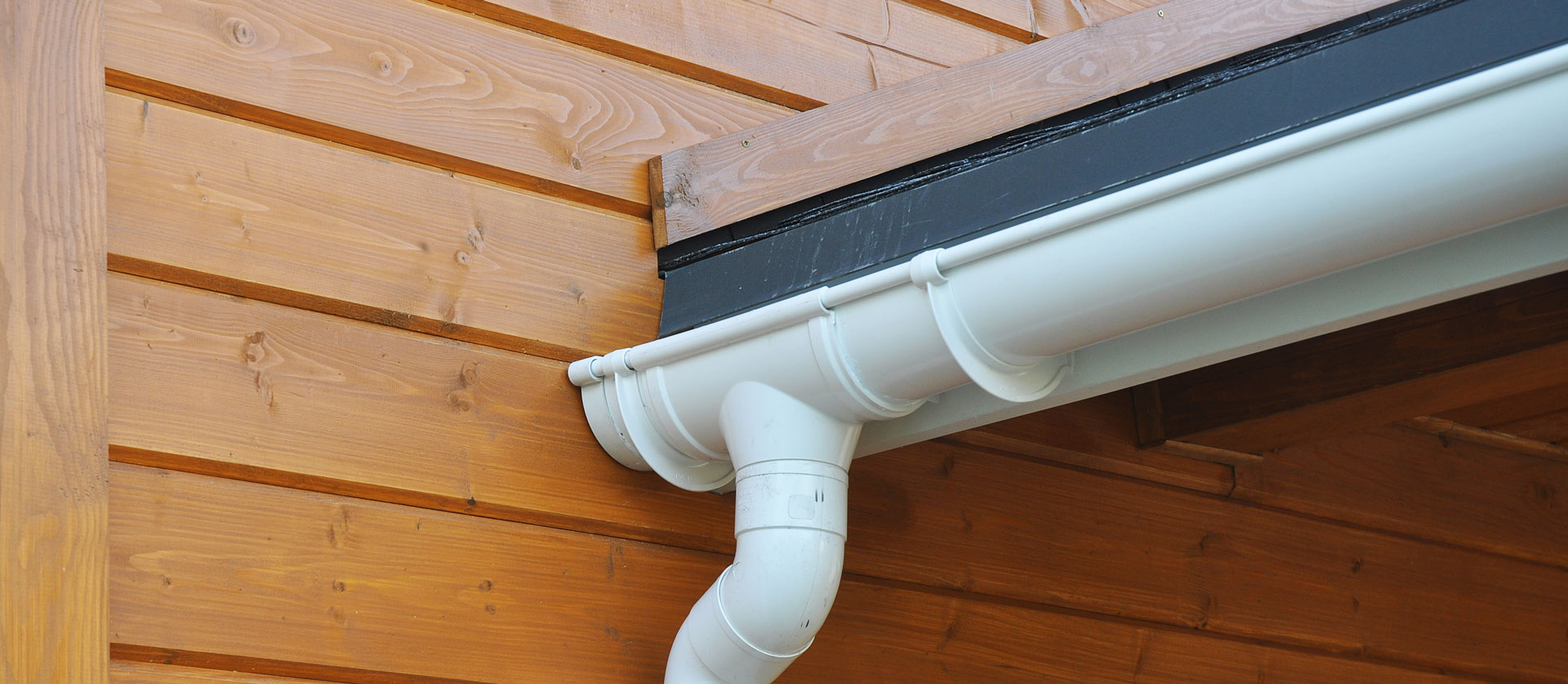 Omaha, Council Bluffs, IA and Lincoln Seamless Gutters, Gutters and Downspouts and Gutter Repair